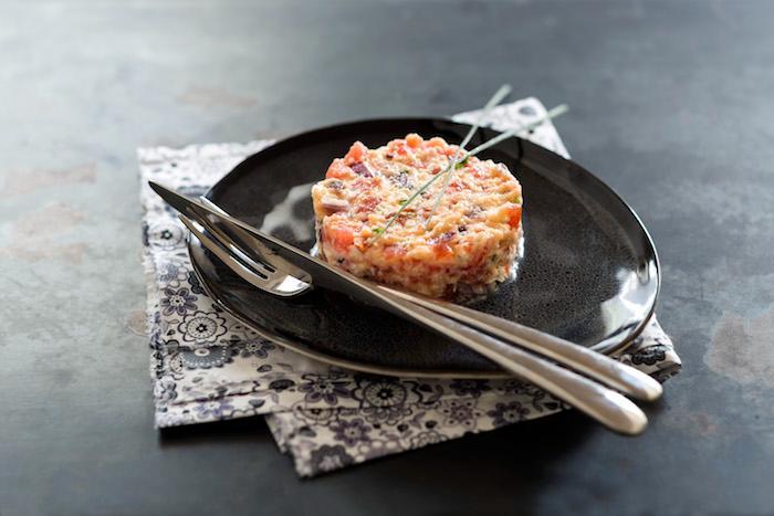 Tartare végétarien à la mozzarella à l'arôme d'agrumes